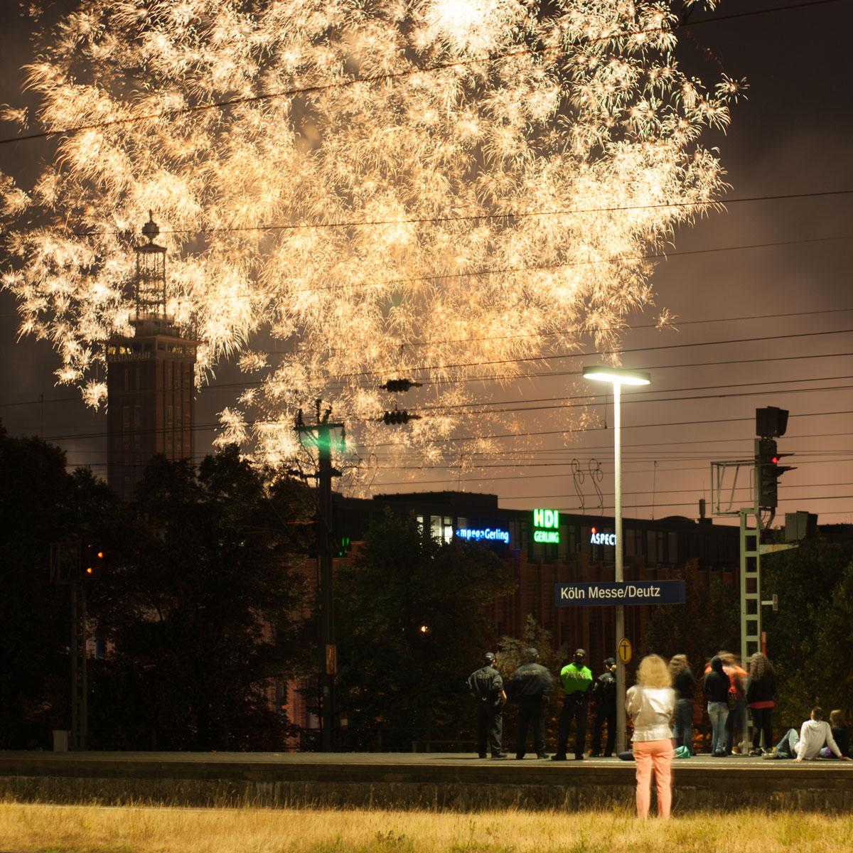 Feuerwerk vom Deutzer Bahnhof
